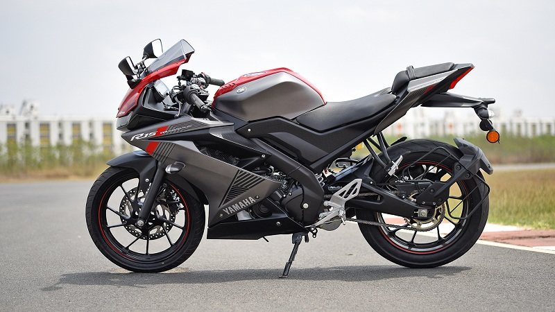 The New Generation Yamaha Yzf R15 Have The Charm And The Nimble